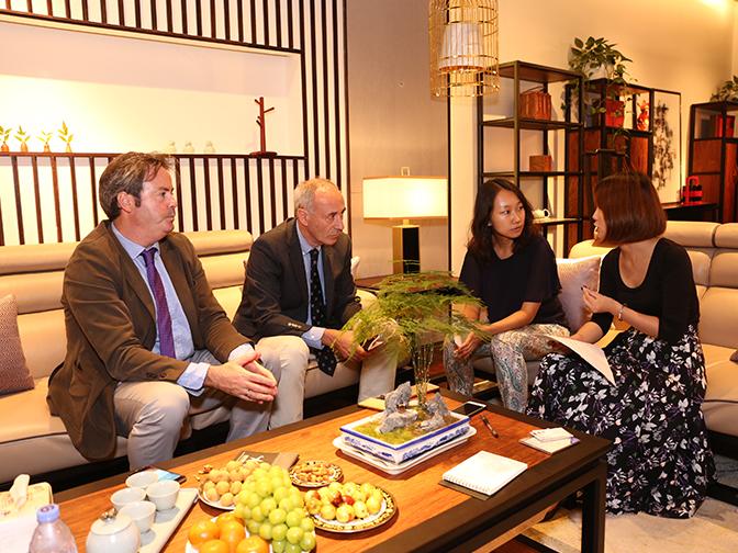 hergom品牌全球总监中国行接受 杂志《出色trends》的专访