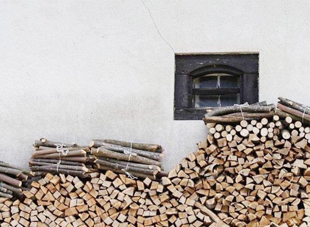 如何在家中正确使用燃木壁炉