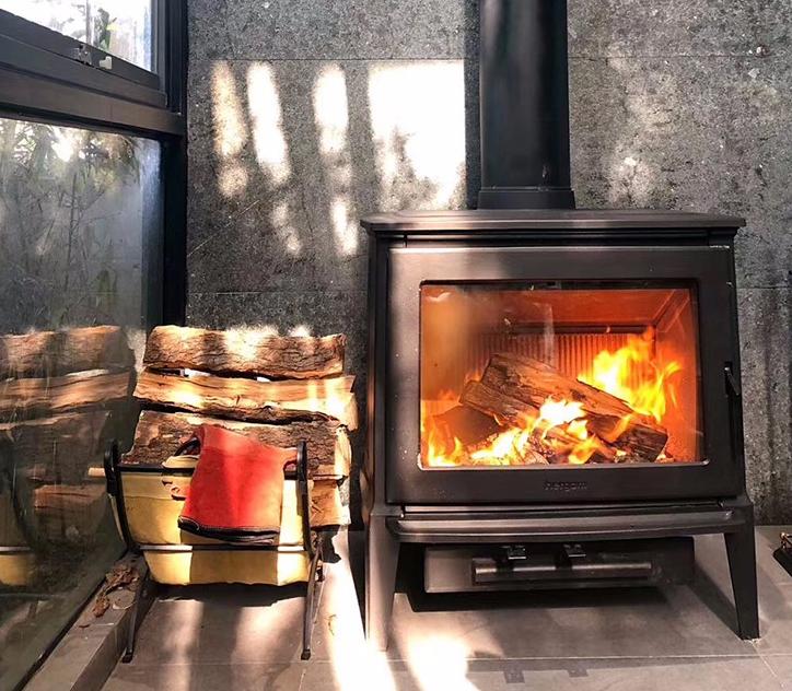 真火壁炉玻璃门出现浑浊或被腐蚀时,该怎么办?