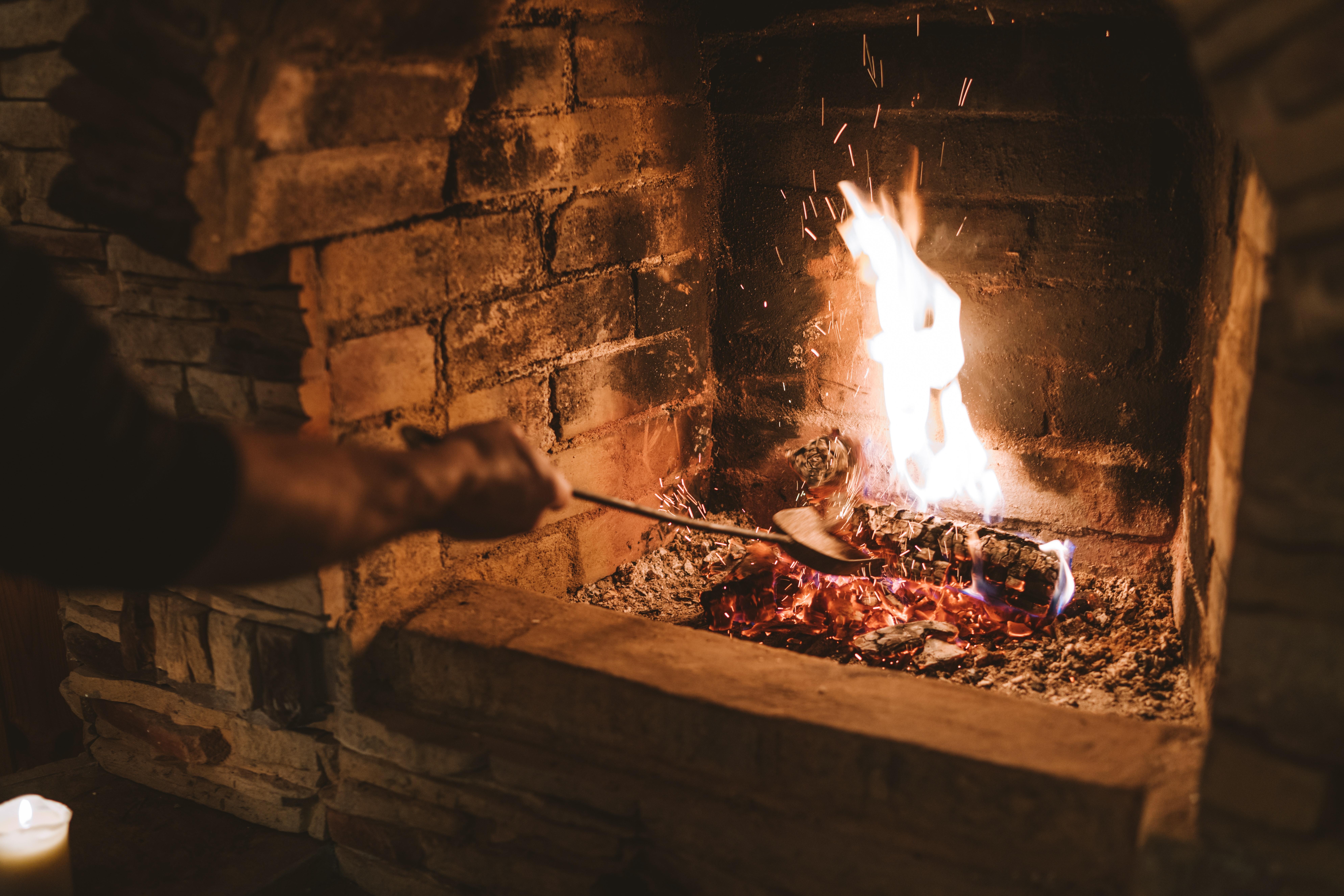 什么样的材质更适合DIY壁炉时作为炉膛?大理石or花岗岩?