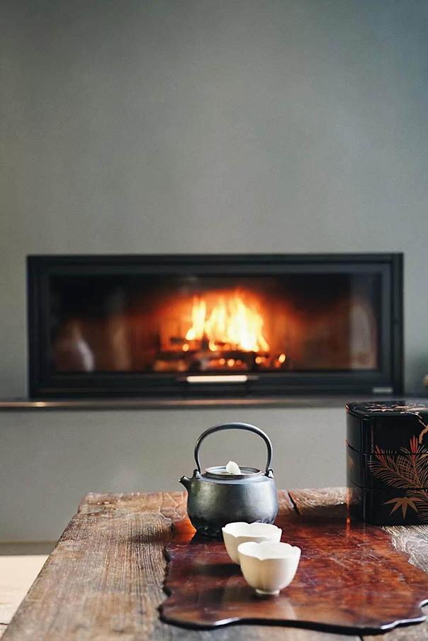 嵌入式燃木壁炉