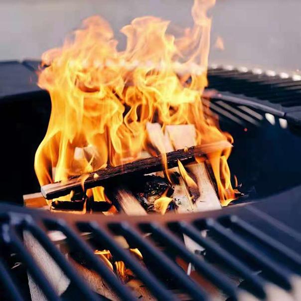 户外燃木壁炉火焰效果