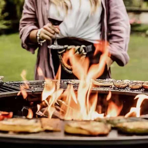 户外燃木壁炉烧烤风尚