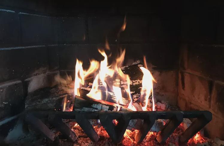 注意!臥室內安裝燃木壁爐的幾大要點