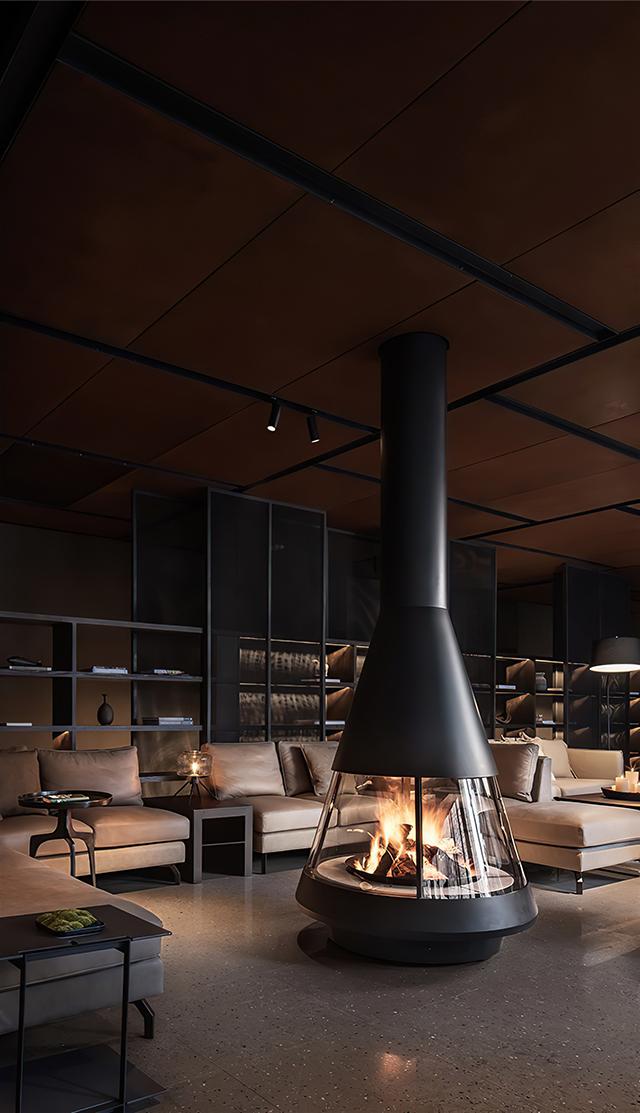 酒店安装马洛卡燃木壁炉