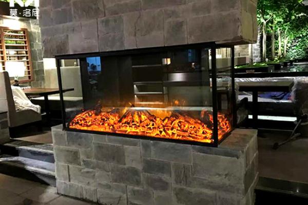 【长春】食间牛排餐厅采购我司2套四面大尺寸电壁炉芯